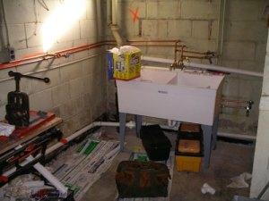 garage sink during photo