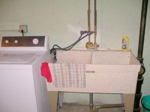 garage sink photo